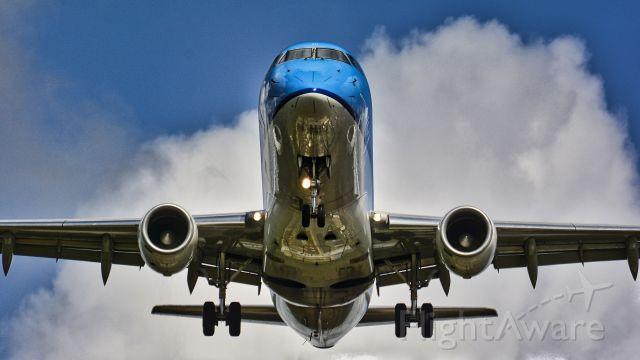 UNKNOWN — - Flugzeuglandung am 25. August 2020, 11:12 Uhrbr /Standort Besucherh+ger am Nordportbogen, Norderstedt