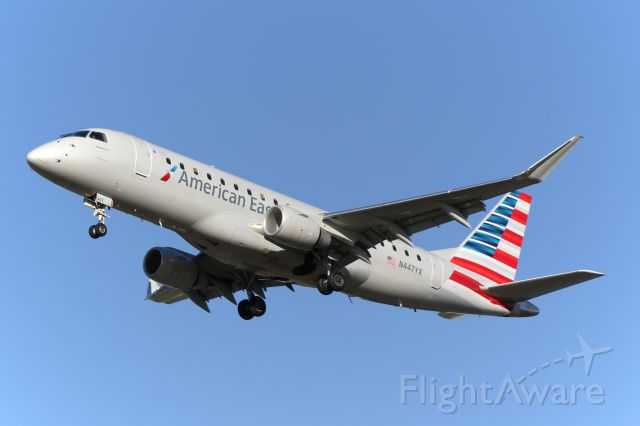 Embraer 170/175 (N447YX)