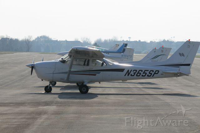 Cessna Skyhawk (N365SP) - On the ramp