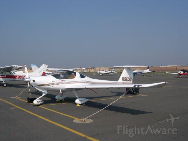 Diamond DA-20 (N517JT) - DA20 in parking