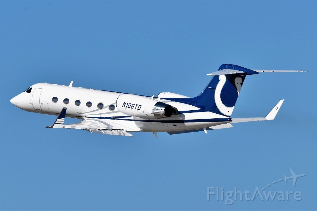 Gulfstream Aerospace Gulfstream IV (N106TD) - One of the Indianapolis Colt's owners fleet of airplanes. 737-BBJ N101TD, and G-IV's N106TD, N107TD