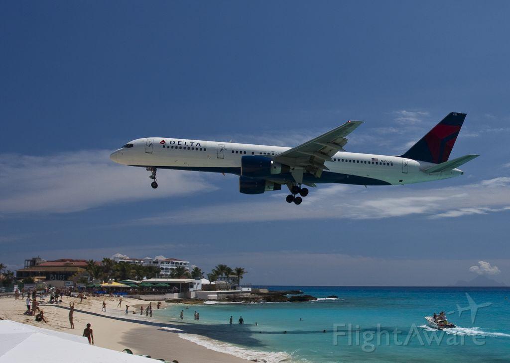 Boeing 757-200 (N633DL) - BOEING 757-232