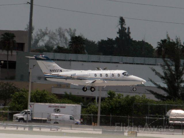 Beechcraft Beechjet (N493TM) - landing at miami....