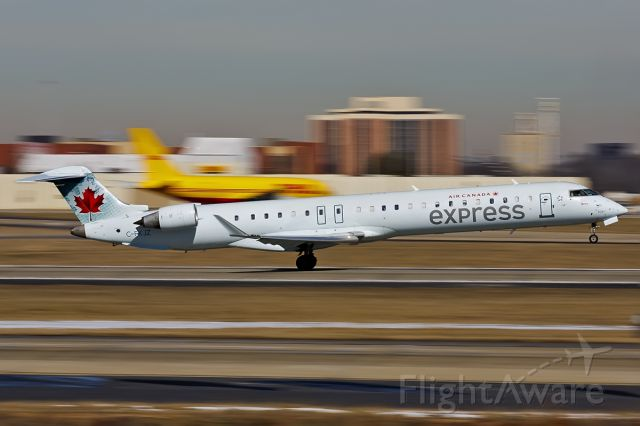 Canadair Regional Jet CRJ-900 (C-FJKZ)