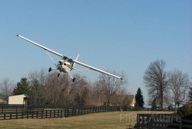 Cessna Skyhawk (N734TW)
