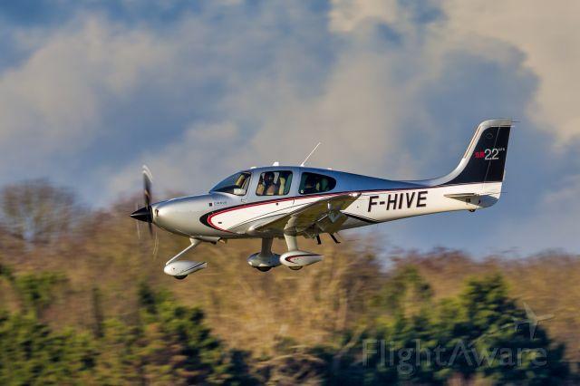 Cirrus SR-22 (F-HIVE)