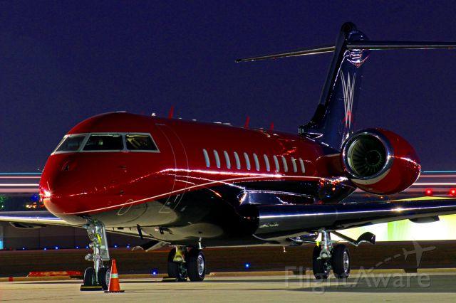 Bombardier Global 5000 (N247WE)