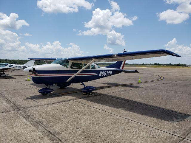 Cessna Centurion (N8572R)