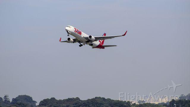 BOEING 767-300 (PT-MSO)