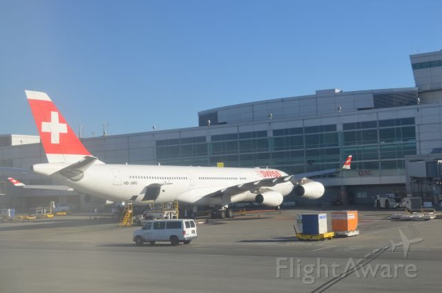 Airbus A340-300 (HB-JMG)