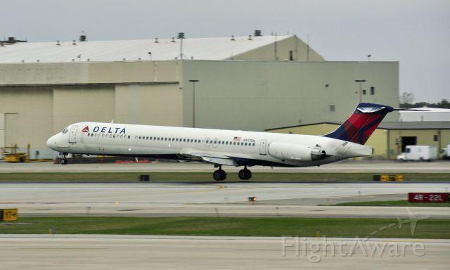 McDonnell Douglas MD-88 (N917DL) - Delta McDonnell Douglas MD-88 N917DL in Detroit