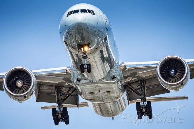 BOEING 777-300ER (C-FIVW)