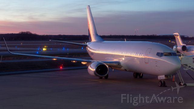 BOEING 737-300 (N626SW)