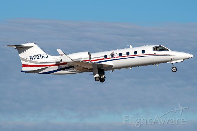 Learjet 31 (N221EJ)