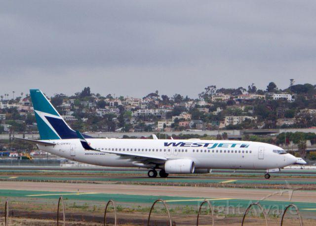 Boeing 737-800 (C-GWWJ)