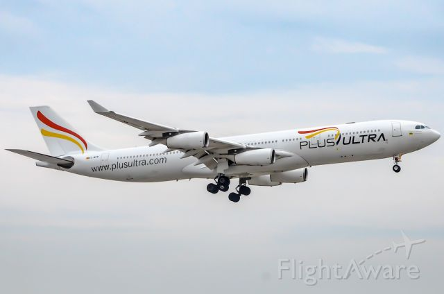 Airbus A340-300 (EC-MFB)