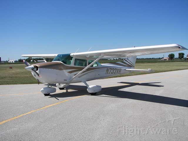 Cessna Skyhawk (N733VR)