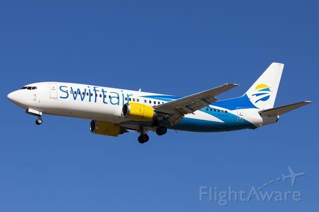 BOEING 737-400 (N440US)