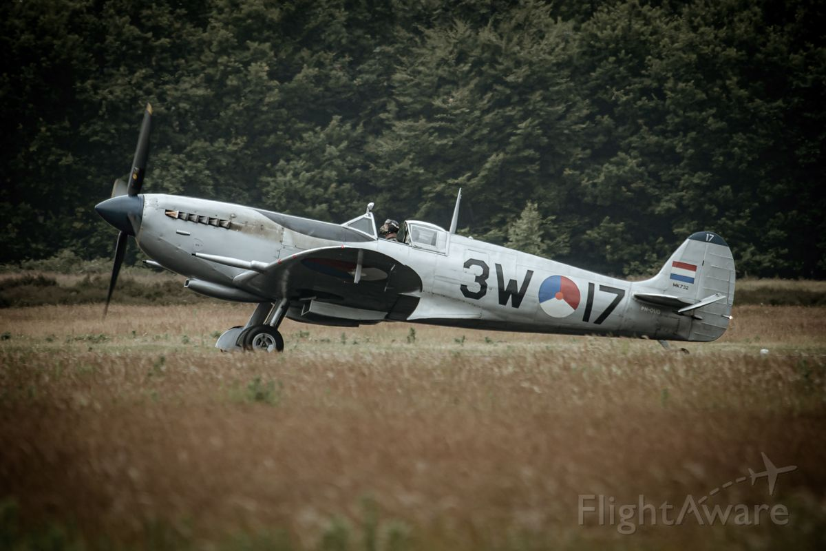 SUPERMARINE Spitfire (PH-OUQ)