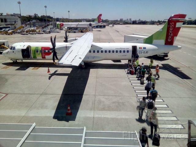 ATR ATR-72 (CS-DJD)