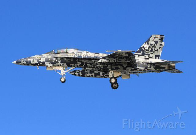 McDonnell Douglas FA-18 Hornet (16-5677) - San Diego