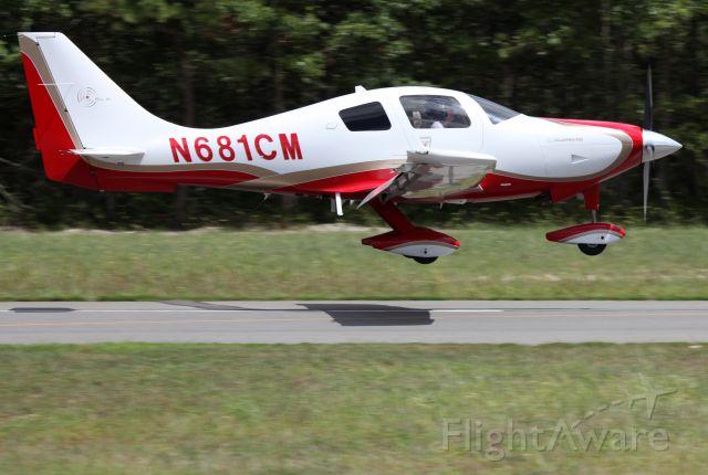 N681CM — - Perfect landing runway 14.