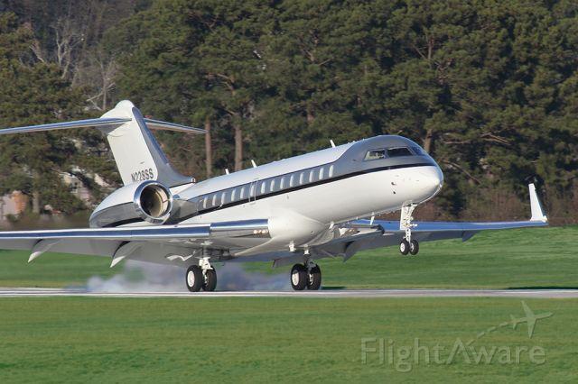 Bombardier Global Express (N228SS) - Bombardier global landing in Atlanta at PDK airport