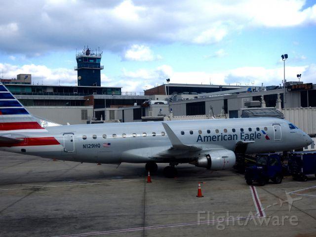 Embraer 175 (N129HQ) - RPA4479 IAH-PHL