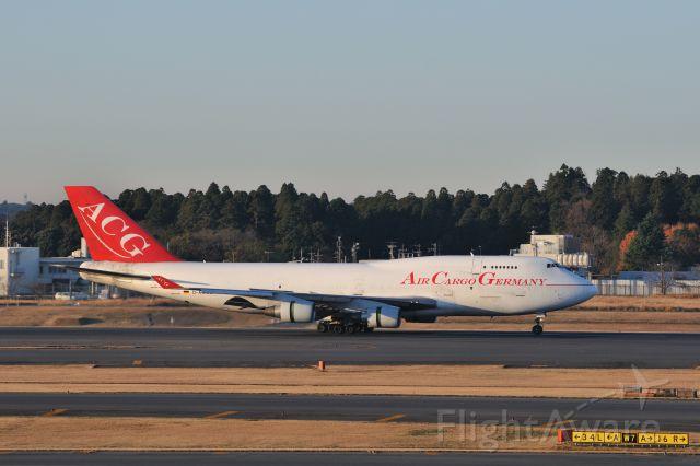 Boeing 747-400 (D-ACGB) - 2011/12/10  Air Cargo Germany