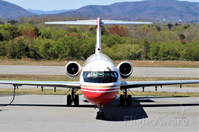 McDonnell Douglas MD-83 (XA-UZV) - Aeronave cargo.