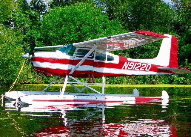 Cessna Skywagon 180 (N91220) - At Oshkosh. 1968 Cessna 180H Skywagon