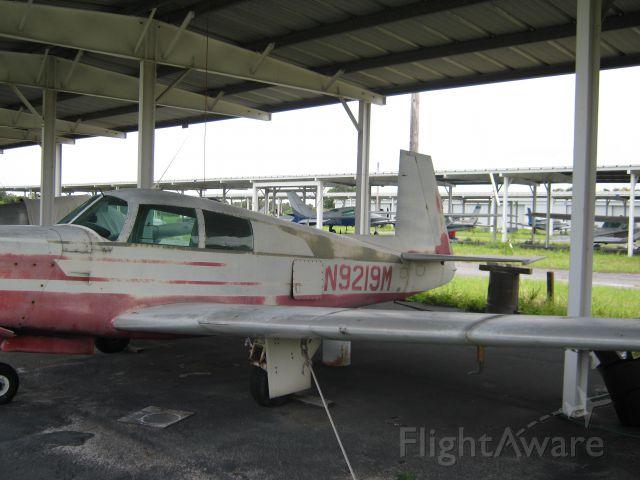 Mooney M-20 (N9219M)