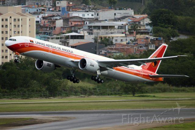 BOEING 777-300ER (D2-TEH)