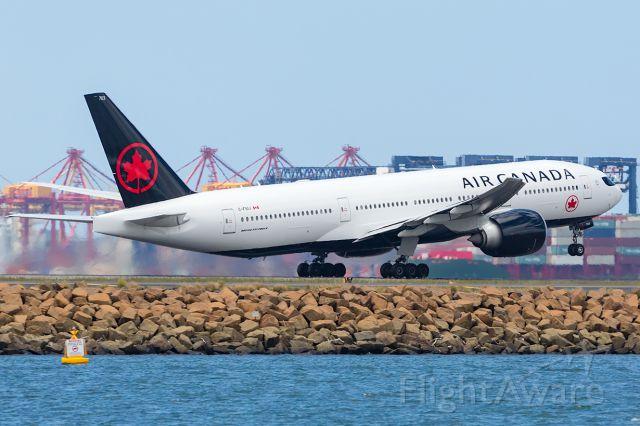 Boeing 777-200 (C-FIUJ) - New Livery! AC34/ACA34 to YVR Vancouver. R16R SYD/YSSY 09/12/2017