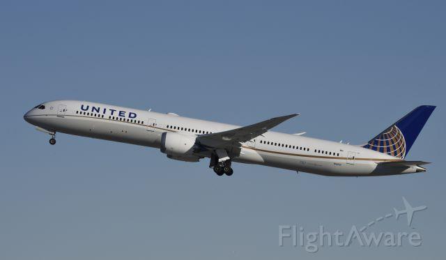 BOEING 787-10 Dreamliner (N14001) - Departing LAX