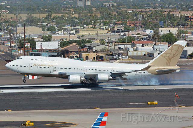 Boeing 747-400 (N322SG) - Atlas Air Boeing 747-481 N322SG at Phoenix Sky Harbor on October 6, 2017.