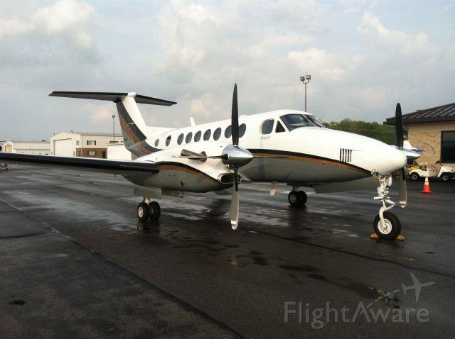 Beechcraft Super King Air 300 (N62AZ)