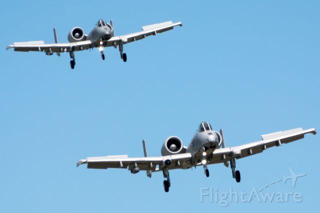 Fairchild-Republic Thunderbolt 2 (78-0618) - Colt 1&2 shooting a few ILS approaches.