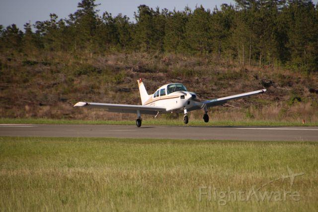 Beechcraft Sundowner (N9708L) - Landing on Runway 18