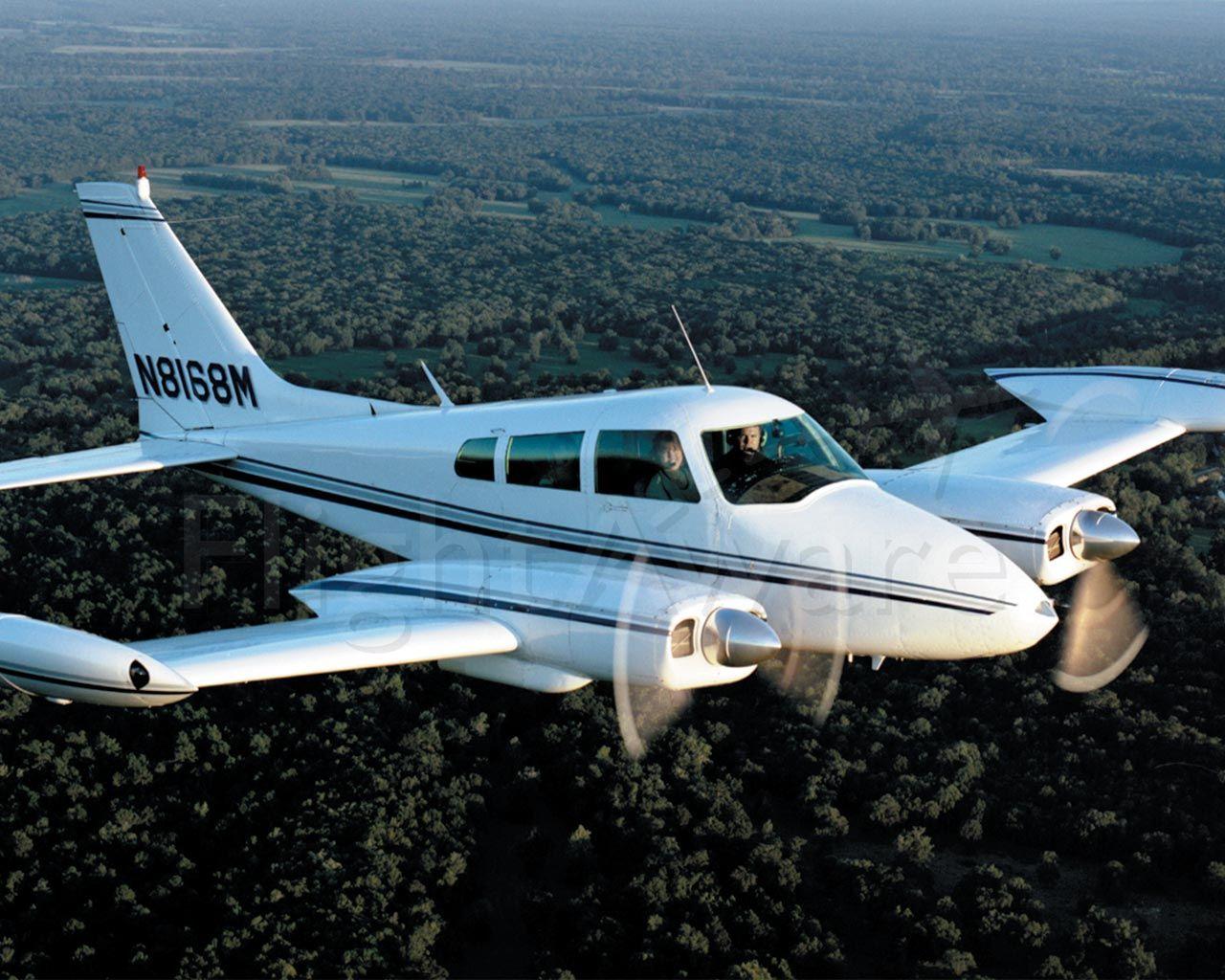 Cessna 310 (N8168M)