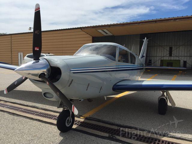 Piper PA-24 Comanche (N6928P)
