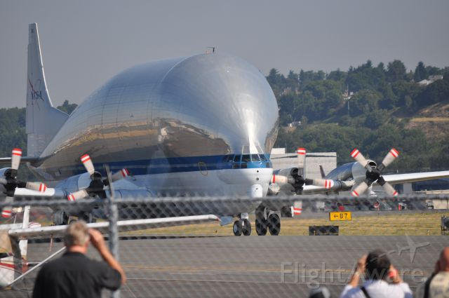 N941 — - 2nd delivery of NASA's Shuttle training unit to the Boeing Museum of Flight, Seattle.