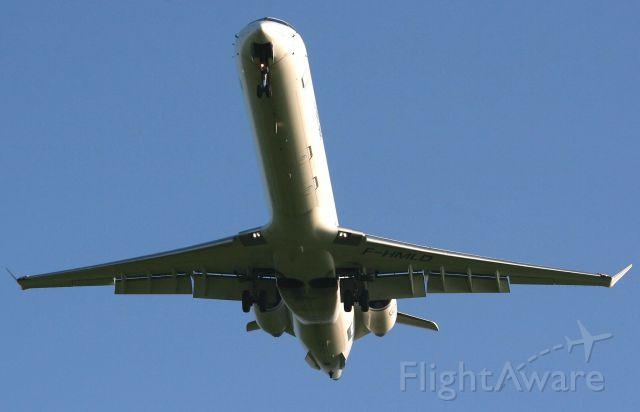 Canadair Regional Jet CRJ-900 (F-HMLD) - Canadair Regional Jet CRJ-1000, Brest Guipavas Airport (LFRB-BES)