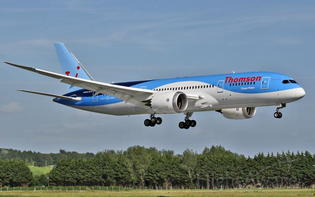G-TUIC — - thomson 787 g-tuic about to land on rwy24 at shannon 19/6/13.