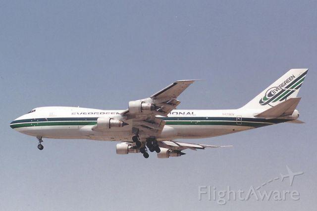 BOEING 747-100 (N473EV)