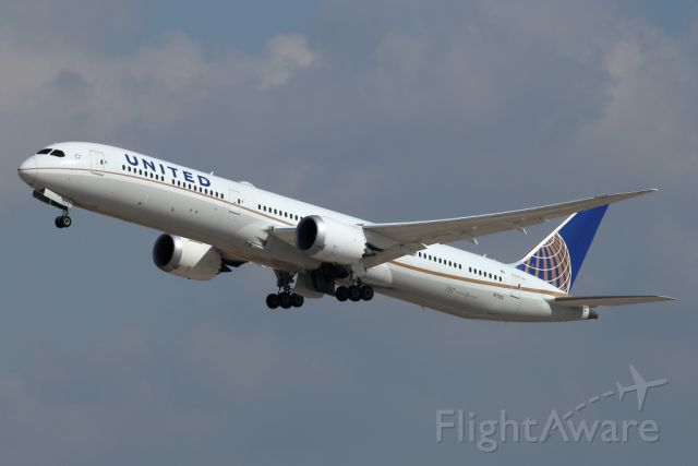 BOEING 787-10 Dreamliner (N17002) - 07/02/2021: The daily flight to Newark (EWR) after T/O from runway 26.