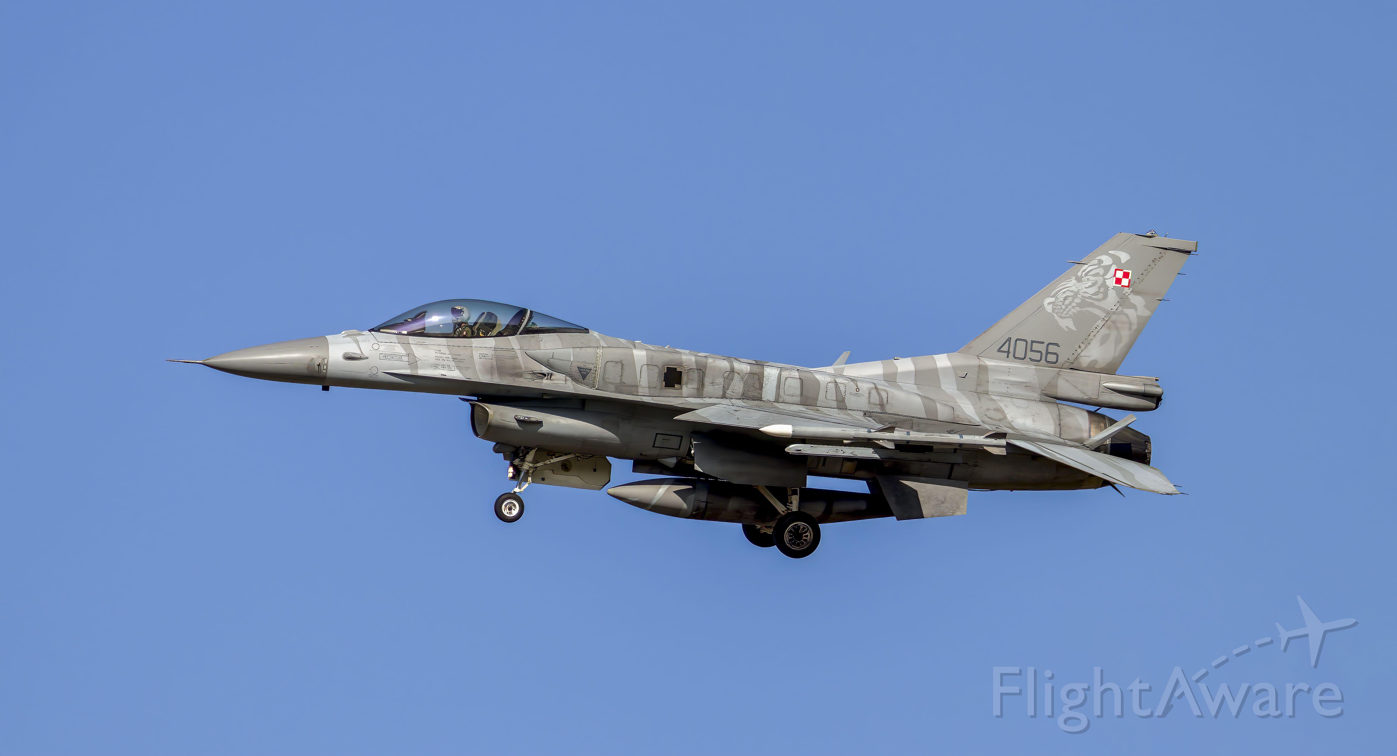 Lockheed F-16 Fighting Falcon (N4056)