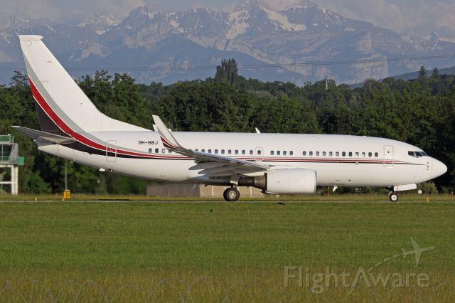 Boeing 737-700 (9H-BBJ)