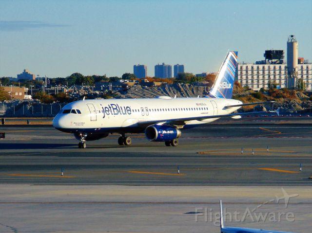 Airbus A320 (N526JL)