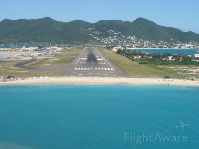 — — - You have seen the jumbos landing over this beach. Now here is a perspective from the pilots seat